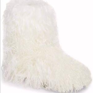 7ffdef3db26 FIRM! New! Ugg Fur Momma White Mongolian Fur NWT